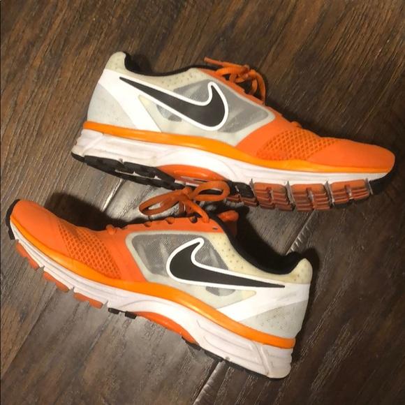 Nike Women's Air Zoom Vomero 8 Running Shoe